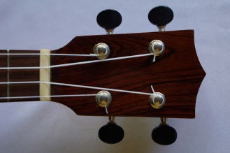 Ukulele_High-end_Cutaway_Zepeda4